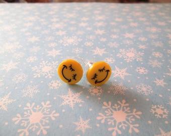 Emoji earrings, pierced, smiley
