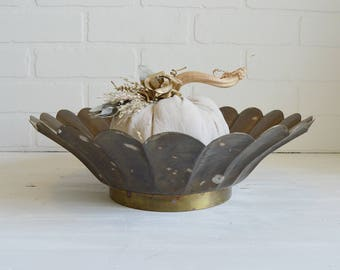 Brass Bowl, Scalloped Brass Bowl, Round Brass Bowl, Vintage Brass, Fall Decor, Brass Dining Decor, Vintage Brass Bowl, Fall Serveware