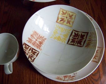Red Wing Pottery Granada 1960s Vintage Serving Bowl