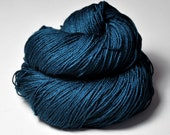Old kingfisher being no more - Merino/Silk Fingering Yarn Superwash - LSOH - Hand Dyed Yarn - handgefärbte Wolle - DyeForYarn