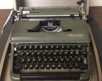 Vintage Portable Olympia De Luxe Typewriter Green with Carrying Case