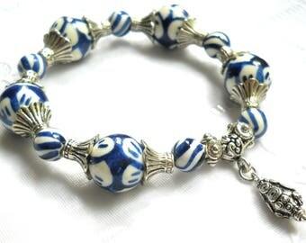 delft blue style stretch bracelet delft blue jewelry Delft blue bracelet blue and white delft bracelet blue bracelet