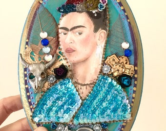 Frida Kahlo sequin applique patch bust on wooden oval plaque/ silver gold blue / love sacred heart Mexican wall art