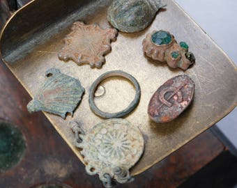 Lot of 7 antique plates, findings, parts of jewelry