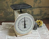 Metal Wayrite Scale / Farmhouse Kitchen Scale / Vintage Metal Kitchen Scale / Rusty Metal Scale / Chippy Paint Scale / Farmhouse Decor