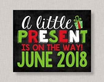 Christmas Pregnancy Announcement Sign, Christmas Pregnancy Announcement Poster, Pregnancy Announcement Chalkboard,Christmas Pregnancy Reveal