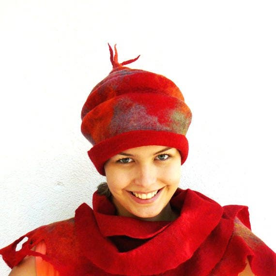 Clothing gift, Felt Hat, Felted Fedore Hat, Cloche Cap, Wool Hat, Statement accessorie, Red Hat