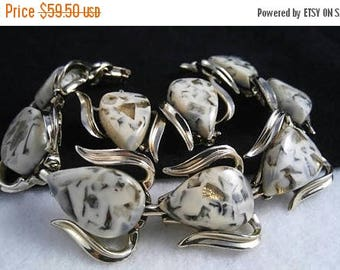 On Sale Coro Signed Vintage White Lucite Bracelet & Earring Set - Chunky Wide Rare Hard To Find Jewelry - Mid Century 1950's Retro Accessori