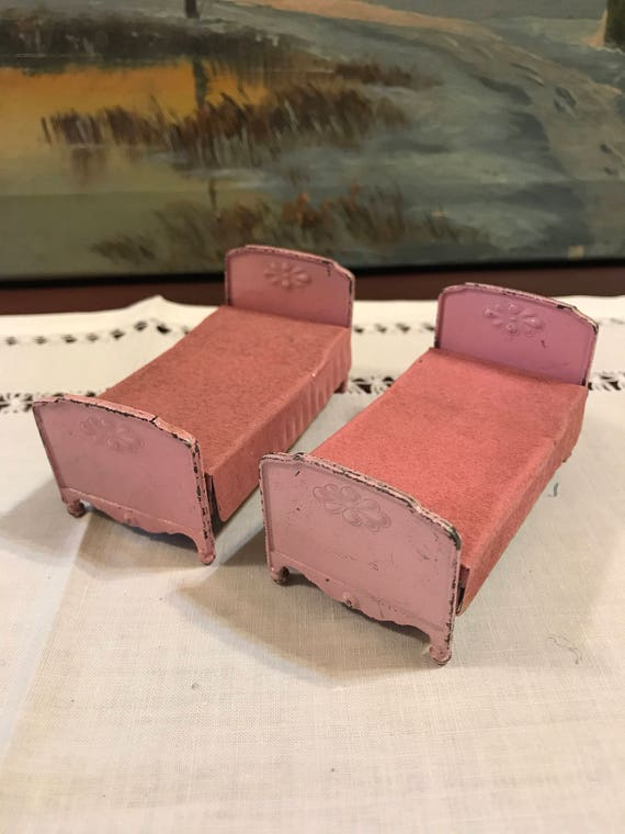 Pair of Pink Dollhouse Twin Beds Tootsie Toy Made in USA