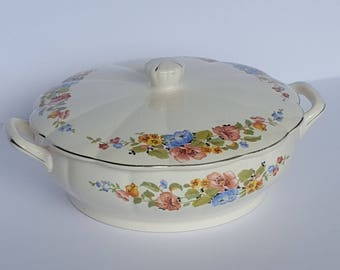 Covered Bean Pot Casserole Dish Vintage WS George Georgette