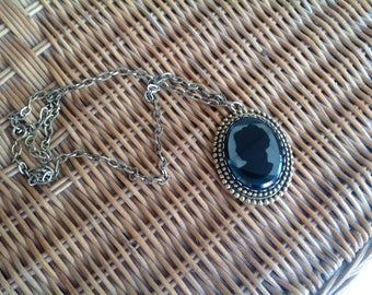 Vintage~Black Glass CAMEO Face~Intricate Setting~15""