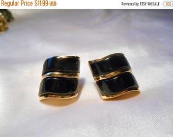 50% Off Sale Avon Modern Drama Pierced Gold Wave Earrings With Black Enamel