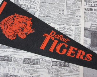 Rare Vintage Detroit Tigers Baseball Pennant 15 Inch Pennant Banner Flag 1960s Era Collectible Vintage Sports Room Decor Old Baseball
