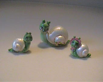 Vintage 1960's miniature Josef Originals mama snail with boy and girl baby snail - Japan