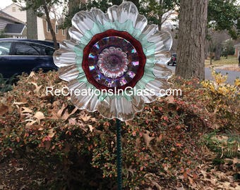 Glass flower. Garden art. Flower suncatcher.