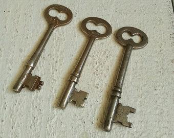 3 Vintage Skeleton Keys