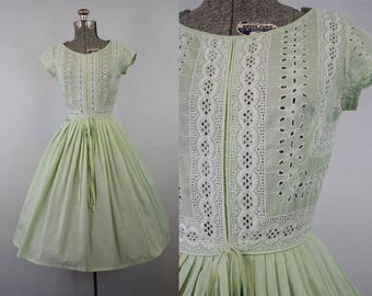 1950's Mint Green Cotton Day Dress with Eyelet / Size Small