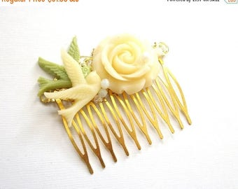 SUMMER SALE Flower Hair Comb Wedding Hair Comb Bird and Flower Hair Comb Gold Toned Off White Sage Green Natural Vintage Style Woodland Hair