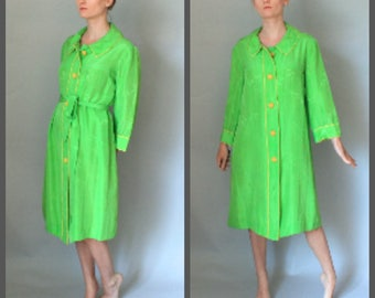 Vintage 60s Lime green Silk Robe Robinsons Made in Hong Kong Designer Robe with Pockets Fabric Covered Buttons