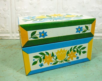 Vintage Syndicate Manufacturing Metal Recipe Box, Blue, Yellow and Green Pennsylvania Dutch Flowers with Ribbon