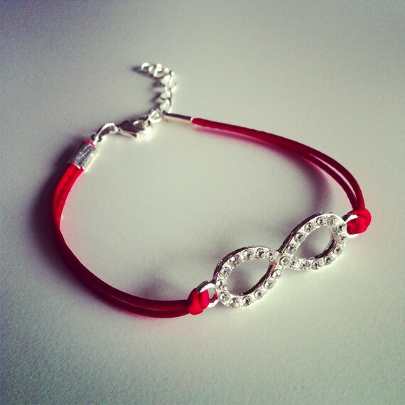 bracelet cordon rouge avec signe infini strass. Black Bedroom Furniture Sets. Home Design Ideas