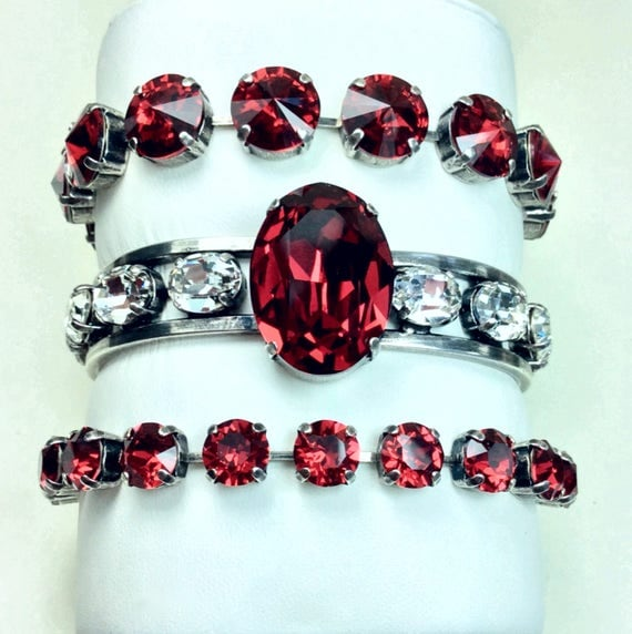 Swarovski Crystal Cuff Bracelet - Designer Inspired -  Elegant & Striking - 25x18m Oval Centerpiece -  New SCARLET/ Crystal - FREE SHIPPING