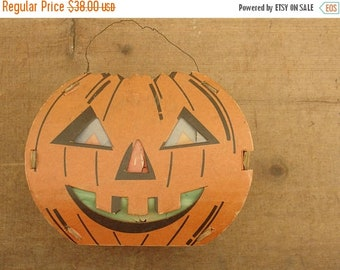 ON SALE vintage 30's halloween cardboard & paper jack-o-lantern, candy container