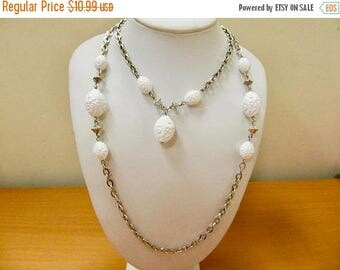 ON SALE SARAH Coventry Vintage Floral Molded White Plastic Necklace Set Item K# 2694