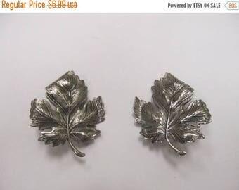 ON SALE Vintage Sizable Textured Leaf Earrings Item K # 2252