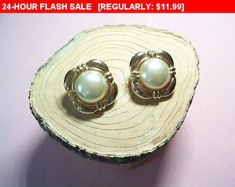 Vintage KJL Earrings, goldtone pierced earrings, Kenneth Jay Lane