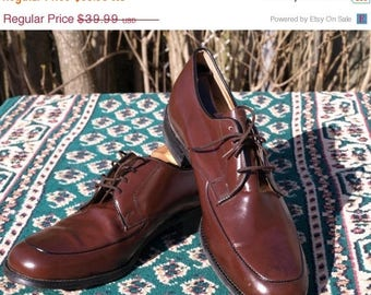 SALE 1960's early 70s leather US Mens 9.5 brown shoes,thick leather soles goodyear welted soles.Made in Canada,New owner needed to break the