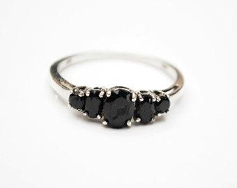 Sterling Onyx  ring  - 5 black gemstone -  silver ring  size 11