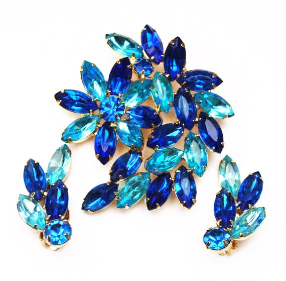 Rhinestone brooch earring set - Blue and Light blue Crystal - Gold Tone metal - Clip on earring