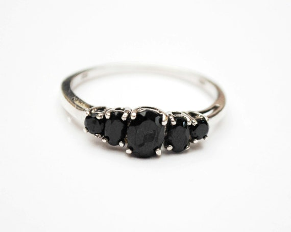 Sterling Onyx  ring  - 5 black gemstone -  silver ring  size 11