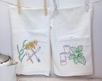 SUMMER SALE Beautiful Set of 6 Vintage Hand Emroidered Linen Kitchen Towels