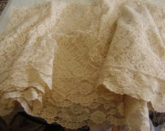 Vintage Chantilly Lace TABLE CLOTH