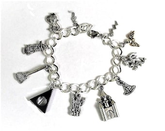 Harry Potter Charm Bracelet Hogwarts School of Witchcraft & Wizardry Magic Wizard Broom Mail Owl Snitch Deathly Hallows Golden Snitch