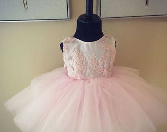 Lace/Tulle Dress with V-back