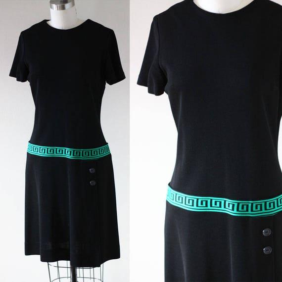 1960s black sheath dress //  1960s black dress // vintage casual dress