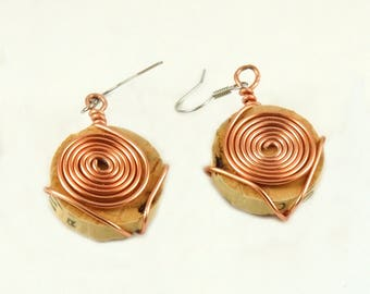Copper spiral earrings - Cork jewelry - Wine cork crafts - Gift for wine lover - Wire wrapped earrings - Upcycled jewelry - Dangle earrings