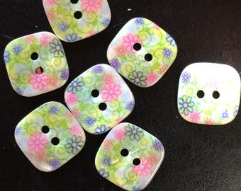 5 BUTTONS IN MOTHER-OF-PEARL BOUQUET OF SPRING SQUARE 15 / 15MM LEISURE IFS PATCH KNIT