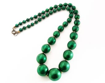 Mid Century style Bright Green Beaded Necklace