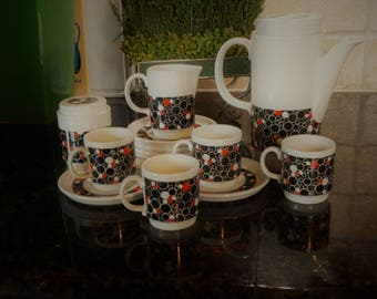 Vintage Hartford Demistasse/Espresso coffee set including coffee pot, sugar pot with lid, creamer, 4 cups, 6 saucers