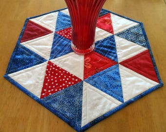 Quilted hexagon table topper, patriotic table quilt, July 4th table topper, Independence day table mat, red, white, blue, quiltsy handmade