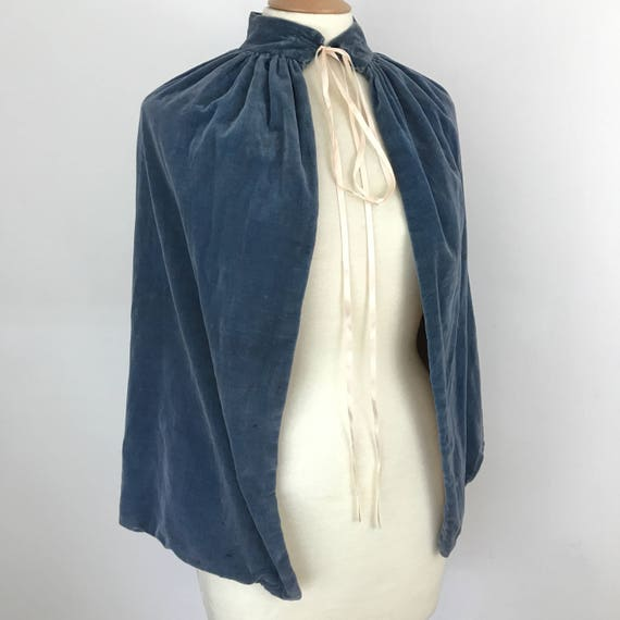 Vintage cape velvet capelet handmade costume 1920s blue panvelvet wedgewood blue homemade 20s 30s accesory flapper evening