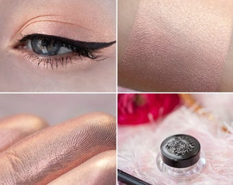 Eyeshadow: Incomparable - MoonElf. Delicate peach satin eyeshadow by SIGIL inspired.