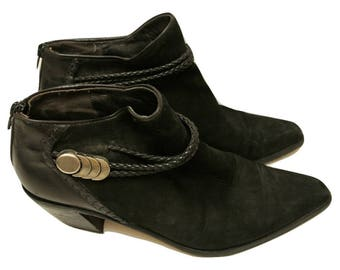 Vintage 1980s Via Spiga Black Leather and Suede Ankle Booties made in Italy