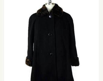 WINTER SALE 20% OFF Vintage Black x  Leopard Faux fur trim Wool Coat from 1980's*