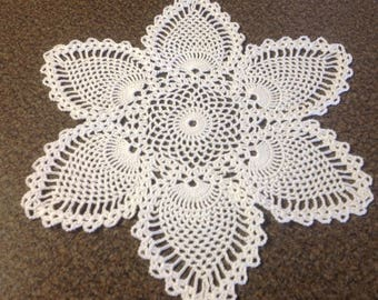 Crochet Doily - Pineapple Doily - White - Wedding Doily