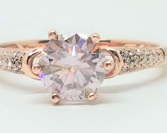 1.04ctw Round Pink Moissanite Diamond and Natural Diamond 10kt Rose Gold Ring